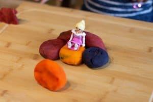 Kneten mit Kindern - Tron für die Prinzessin