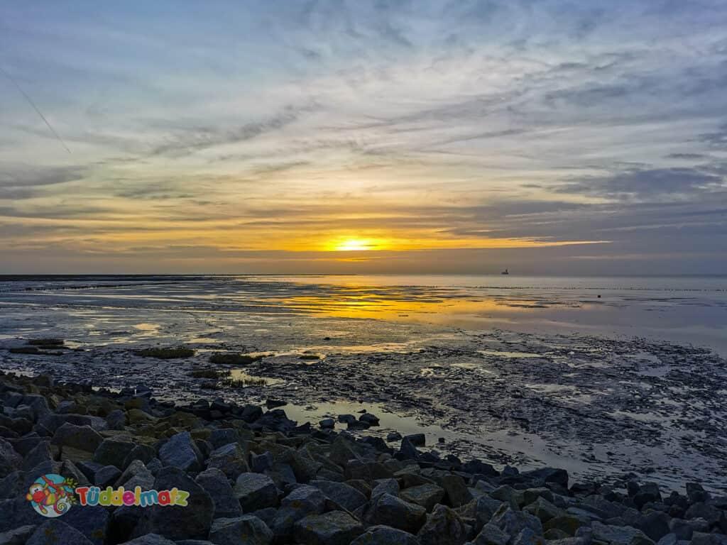 Sonnenuntergang am Wattenmeer während der Mutter-Kind-Kur an der Nordsee