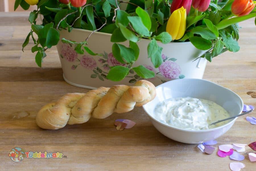 Rezept: Schafskäsedip mit Knoblauch - Titelbild
